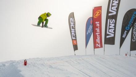 2014_10_26_zvr_tux_snow_action_rider_ChristophLechner_GromWinner_by_albert_binnekade_72dpi-040