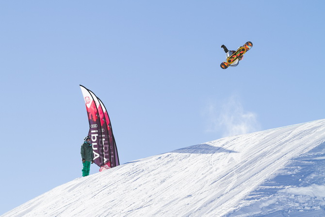 PhotoWeb-J1-AudiSnowboardSeries-Glacier3000-2014-34