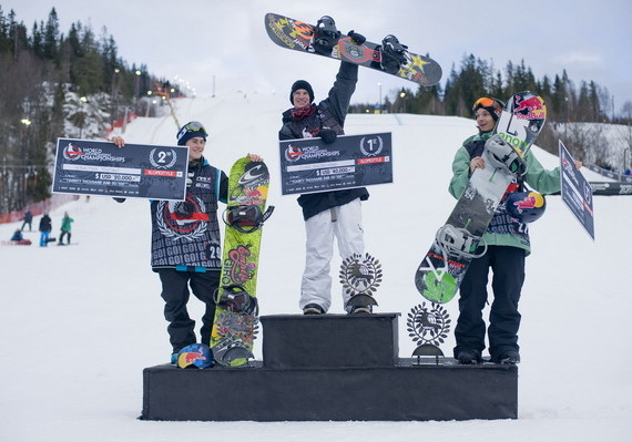 Champions_Mens_Slopestyle_prizes__Photo_Oystein_Kvanneid.2