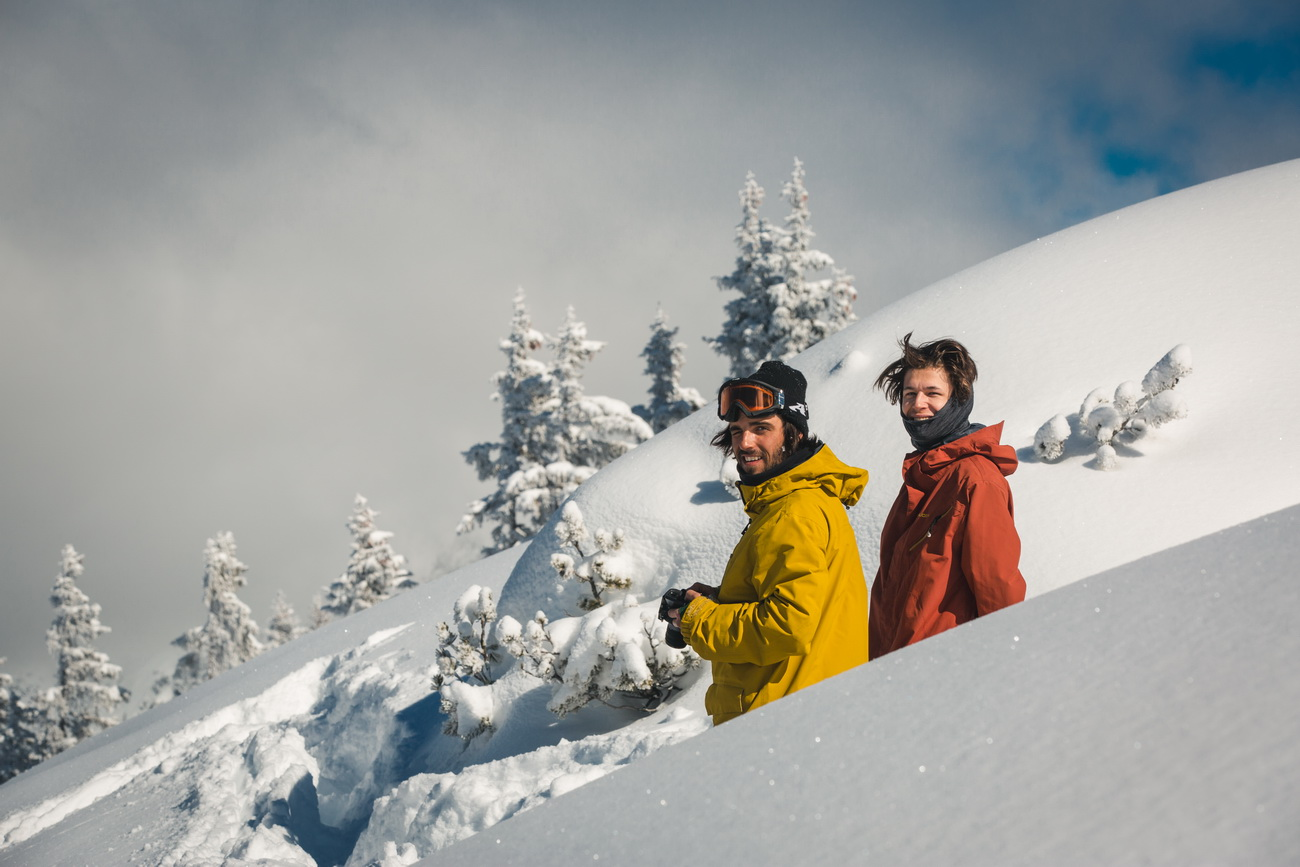 snowboarding research Snowboarding is one of the newest sports, and one of the fastest growing in the roughly 30 years of its existence it has become an olympic research project.