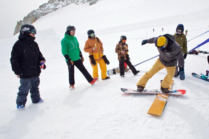16_04_02_zvr_Hintertux_snow_action_Friedl_Kolar_by_Gustav_Ohlsson_72dpi_29